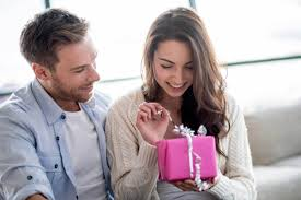 1 Year Dating Anniversary Gifts for Her